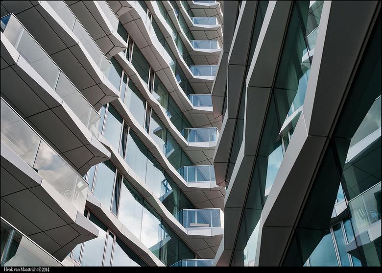 Eindhoven-05 - Andere kant van de woontoren,gewoon fotogeniek.!