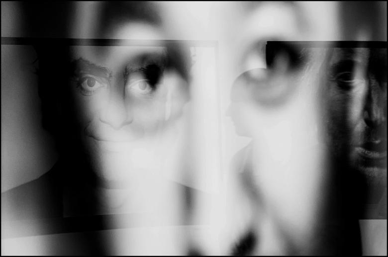 Fotokina 2014-10 - Reflecties blijven mij boeien. Je kunt er verrassende fusies van beelden mee realiseren. Met dit moto ben ik tpv een van de foto ex