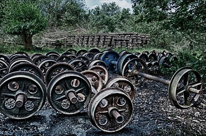 Train wheels - Achtergelaten trein onderdelen
