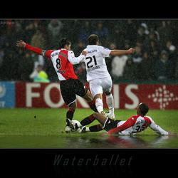 Voetbal = Waterballet
