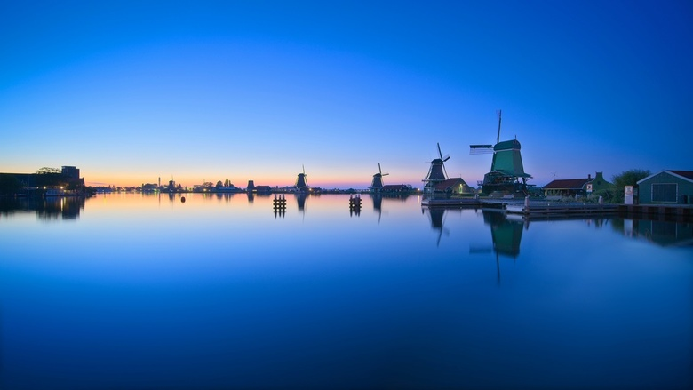 Zaanse Schans deep blue HDR - I decided to go one night in Zaanse Schans, 30 min by car from where I live. The night was stand still and very hot and