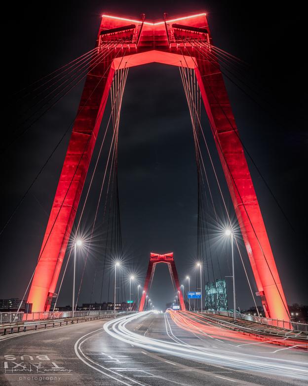 Willemsbrug by night -