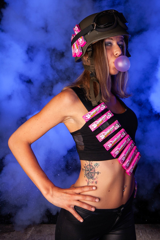Bubblegumwar - Bubblegum war! <br /> Model: L.J. <br /> Foto en edit: mverbeekfotografie