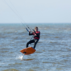 Foil kitesurfer