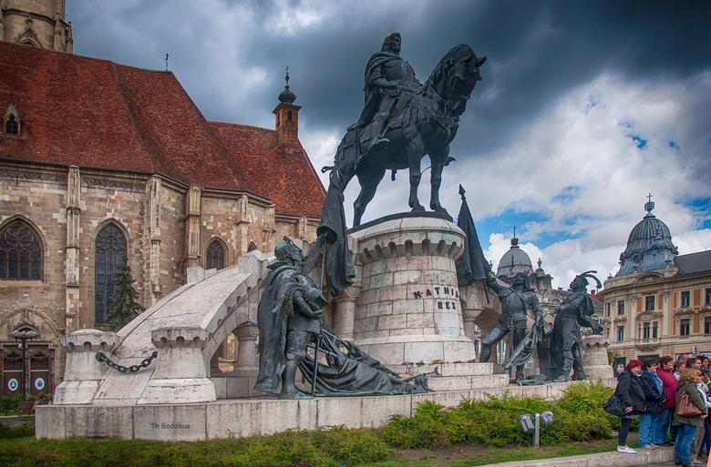 standbeeld 1605085938Rmnwk -  koning Mathias in Roemenie