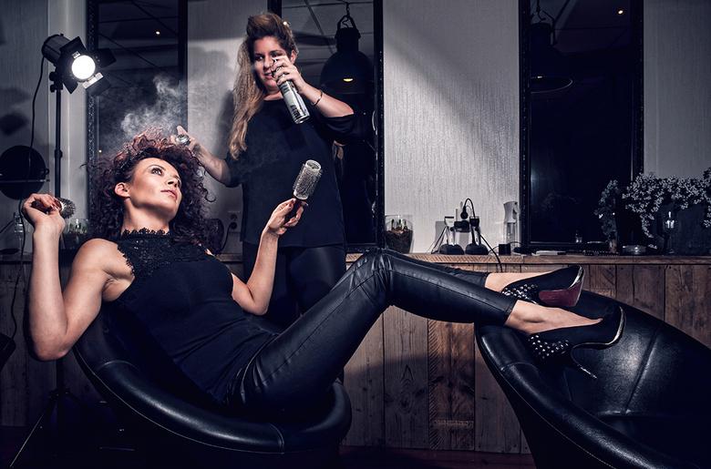 The Winan ladies - De stoere dames van haarstudio Winan wilde een aantal creatieve bedrijfsfoto&#039;s laten maken.<br />