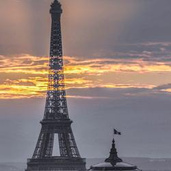 Eiffeltoren n vlammen ....Vander Meulen Sonja