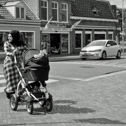 met de kinderwagen op stap