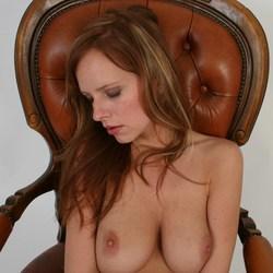 Slapend op de stoel
