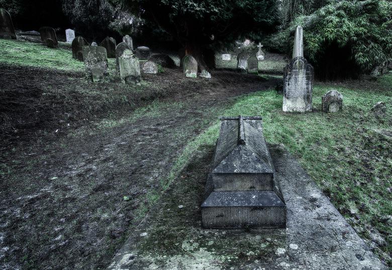 Kerkhof Engeland - kerkhof.jpg