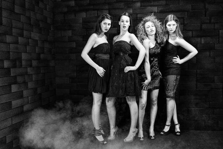 LADY's in Black. - xxcxx,