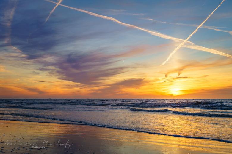 Sunset 2 - Nog een van de kust van Noordwijk, het was een mooie, maar best frisse avond en er stond een stevige wind
