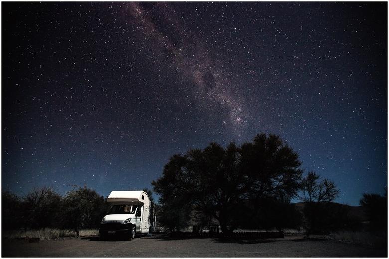 Sky full of Stars - Onderweg, vlakbij Helmeringhausen, vonden we camping Barby. Geen warm water, geen stroom, maar een onbetaalbare sterrenhemel..