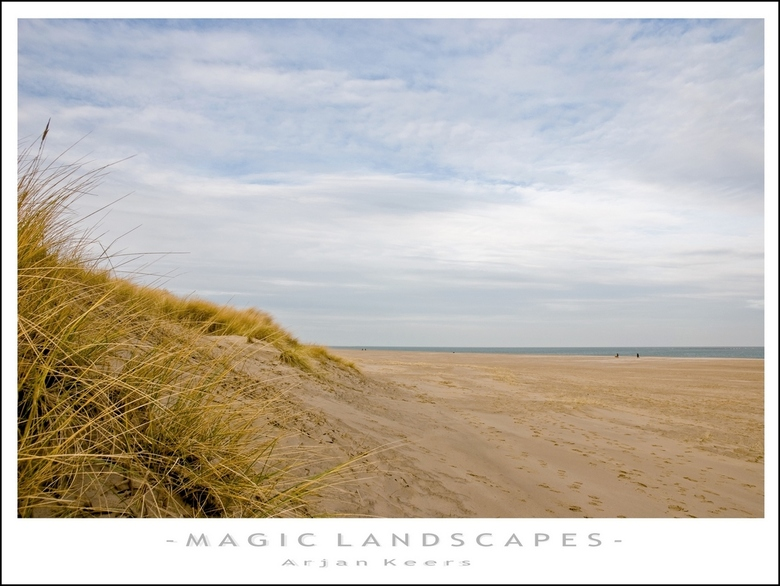 duinen 3 - nog steeds aan het strand van Renesse,nu wat later op de dag.<br /> <br /> iedereen weer bedankt voor het reageren op mijn vorige foto!<b