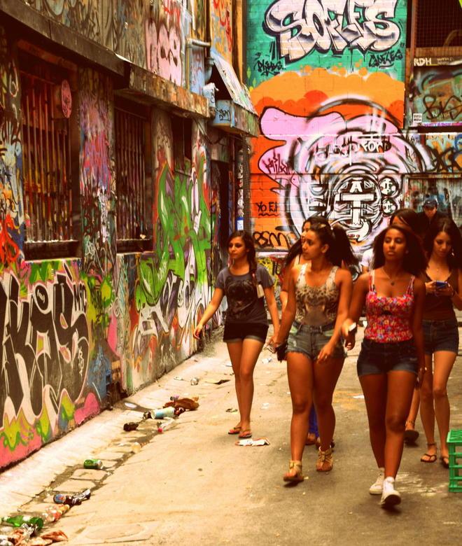 girlpower - straatbeeld uit Melbourne.