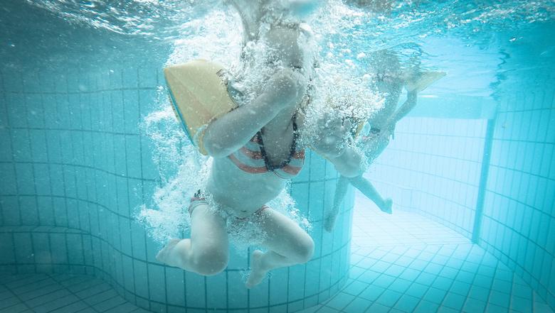 Onder Water - Heerlijk in het zwembad!
