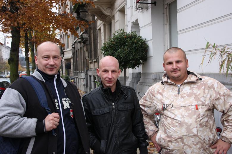 Bald -  3 poolse mannen op straat
