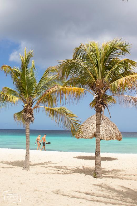 Beautiful blue sea and beach - Super mooi strand Daaibooi op Curaçao gemaakt tijdens vakantie in juli, het was nog er rustig.