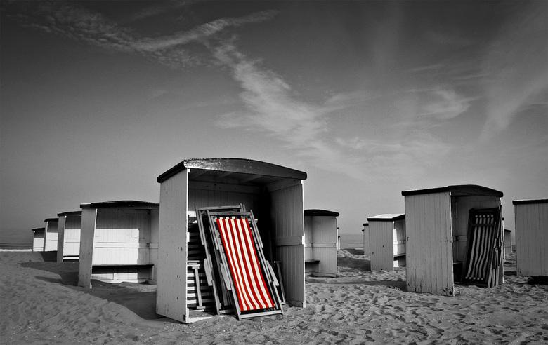 Strandstoel - Probeersel met gekleurd deel genomen aan het strand van Katwijk.