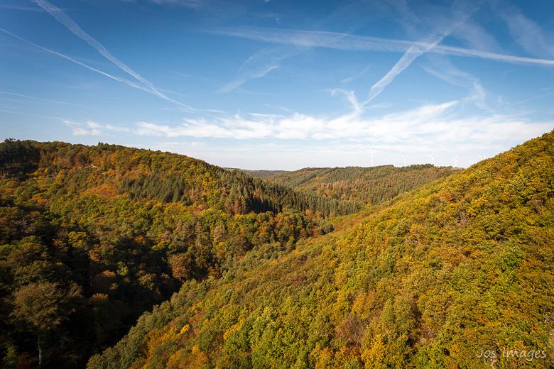 Bachtal. - En dit is de andere kant van het uitzicht over het Mörsdorfer Bachtal. <br /> Dank voor jullie reacties op mijn vorige foto van de andere