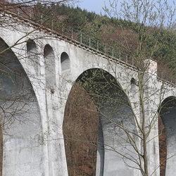 Spoorviaduct.