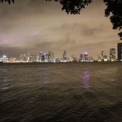 Uitzicht snachts op Miami