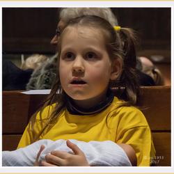 Meisje uit het kinderkoor.