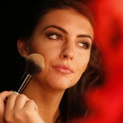 Puting Make-up on