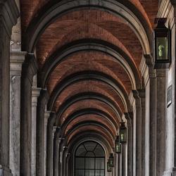 Corridor op het binnenhof