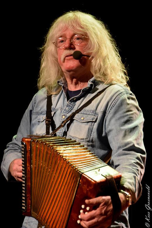 The Amazing Stroopwafels (Rien de Bruin) - Optreden van The Amazing Stroopwafels in Hof 88 op 31 maart 2016 in Almelo.