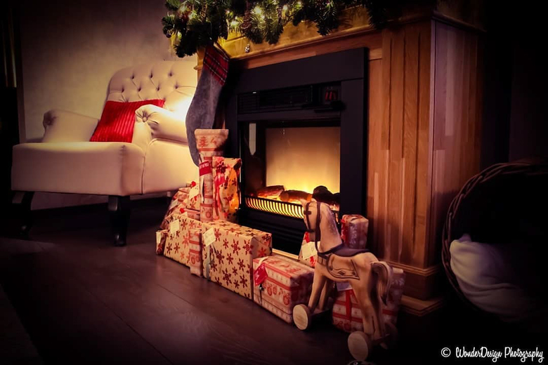 When Christmas magic prepares the house for the Holidays. - When Christmas magic prepares the house for the Holidays. <br />