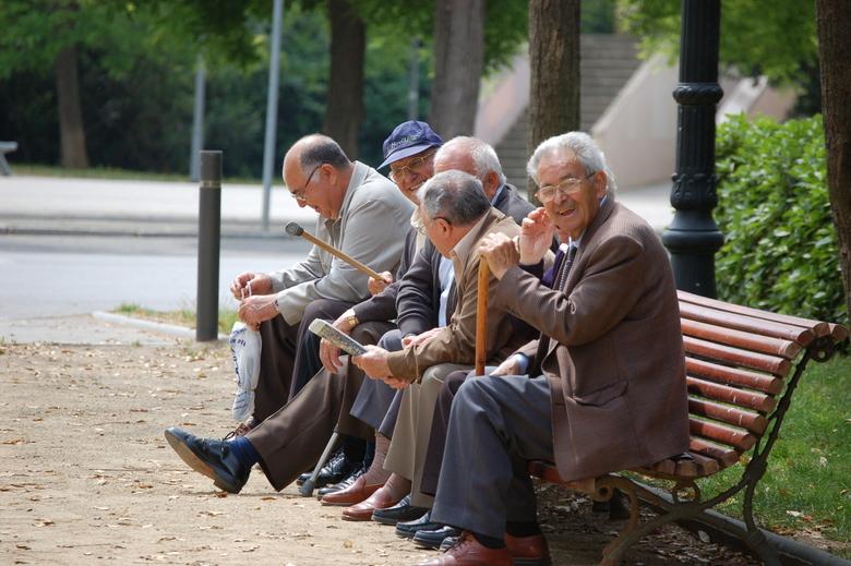Op Een Bankje.Spaanse Mannen Op Een Bankje Overig Foto Van Mlhilgers1 Zoom Nl