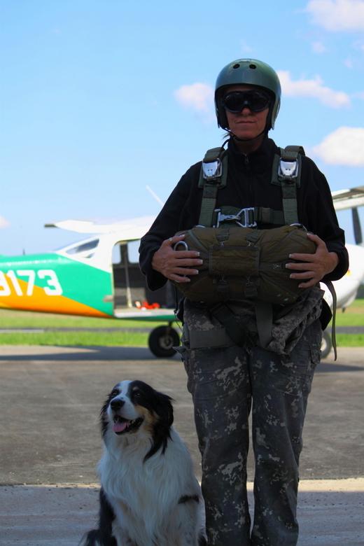Standing by - Tijdens een opleiding tot parachutist ronde bol in Bristow OK usa
