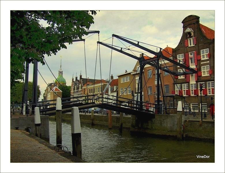 """Damiatebrug Dordrecht - En het zal goed worden.<img  src=""""/images/smileys/smile.png""""/>. Bedankt voor op- en aanmerkingen. De foto is om een of andere"""