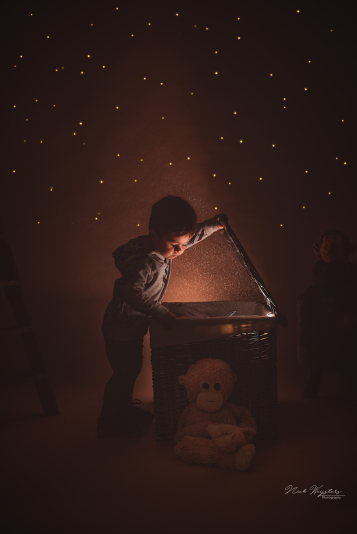 • Follow your dreams • - Mijn zoontje Dean verbaast me elke keer weer hoe goed hij model kan staan.<br /> <br />