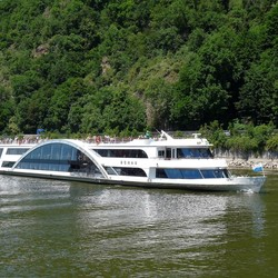 P1450532   Beierse Woud nr23  Kristal schiff bij Passau 19juni 2017