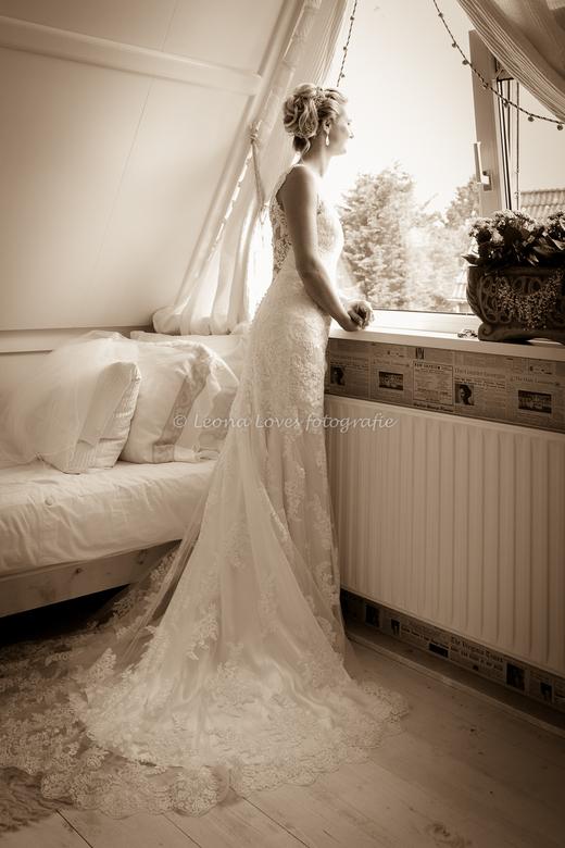De Bruid - De bruid wachtend... komt hij er al aan?