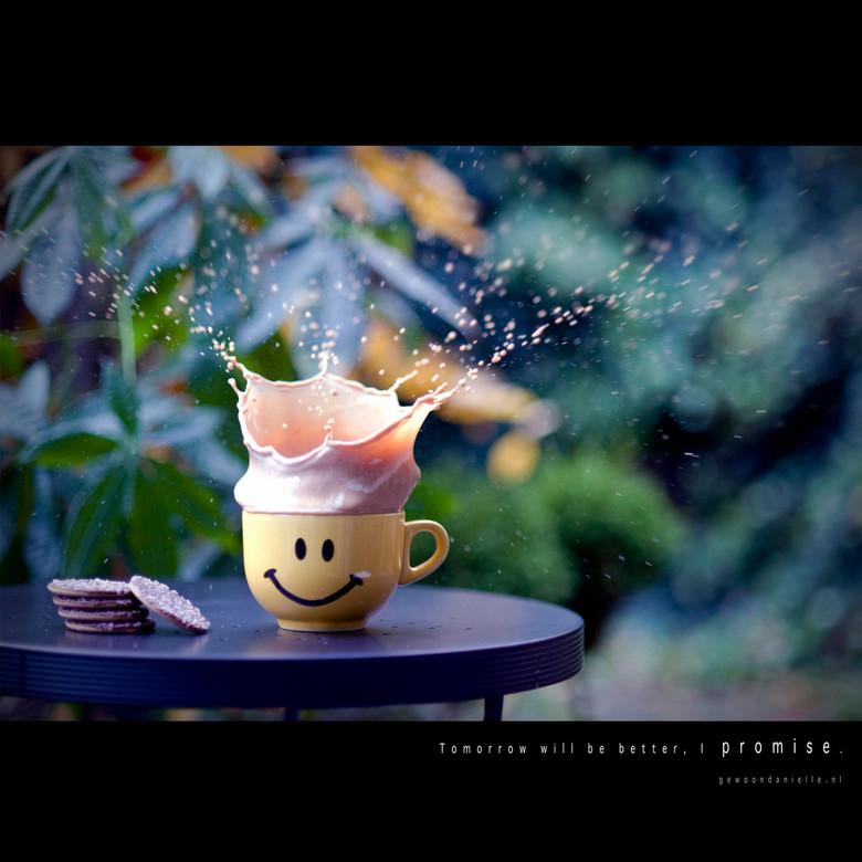 Tomorrow. - Vandaag een koffie experimentje gedaan, ondanks het slechte licht.. ISO omhoog dus.. De sluitertijd had nog wel iets sneller gemogen, maar