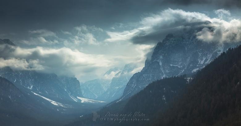 Donkere Dolomieten - Kleine selectie van onze vakantie naar de Dolomieten in 2016 <br /> <br /> <br /> https://dvdwphotography.com/2019/01/31/skiin