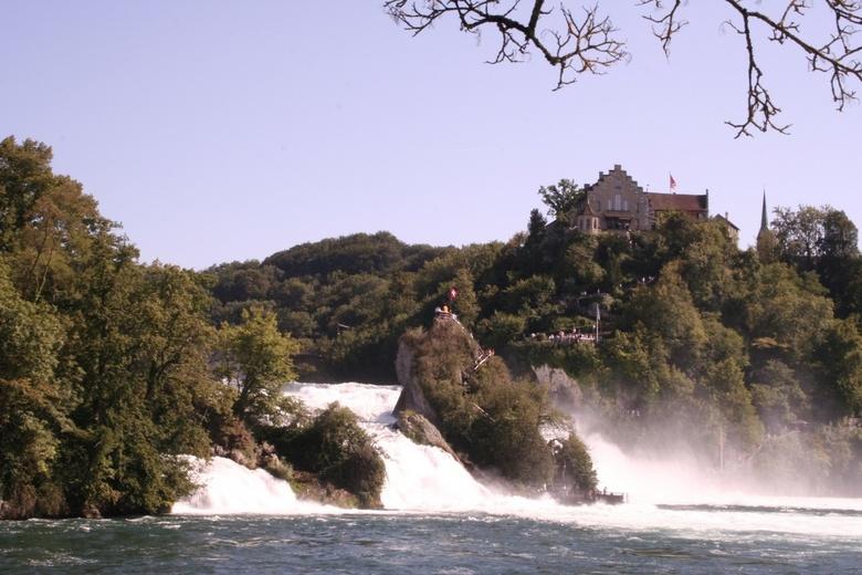 Watervallen Van Schaffhausen Zwitserland.Watervallen Van Schaffhausen Natuur Foto Van Slaapgraag