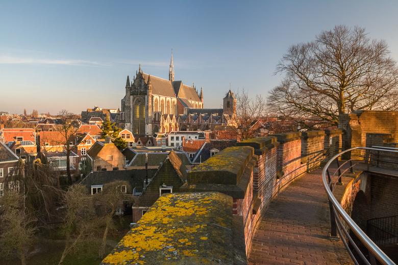 Uitzicht vanaf de Burcht - Het Prachtige uitzicht vanaf de Burcht in Leiden op de Hooglandse Kerk<br /> <br /> genomen op een mooie februari avond v