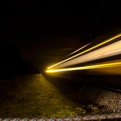 Trein in avondlicht