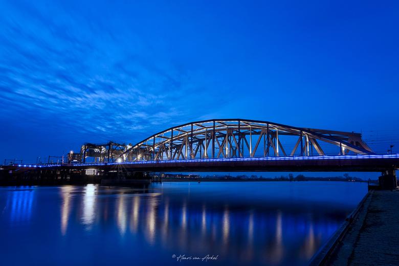 Oude IJsselbrug Zutphen - Oude IJsselbrug Zutphen<br /> <br /> Opnamen van 5 verschillende belichtingen.
