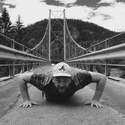 Bridge push up