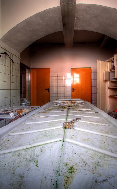 SB Hospital 12 - Op 17-7-2010 hebben Daan en ik een bezoek gebracht aan dit ziekenhuis<br /> <br /> Het is een hdr foto<br /> <br /> Kijk ook eens