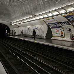 Metro in Parijs.