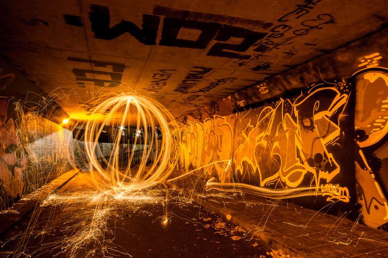 Fire in the hole! - Schrijven met licht, dat was de opdracht tijdens een doe avond met de Fotoclub.