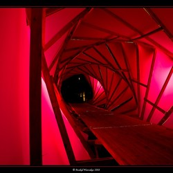 Red tunnel (glow)