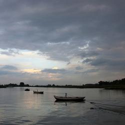 Avondlicht over Rijn