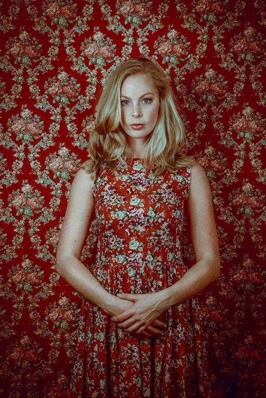 Wallflower - Kelly